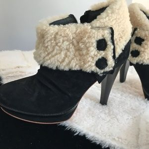 UGG Austalia Georgette Boot